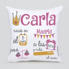 Regala este cojín tan original para el nacimiento de un bebe Vinyl Crafts, Diy And Crafts, Calligraphy Doodles, Silhouette Curio, Cricut Design, Baby Love, Baby Gifts, My Design, Couture