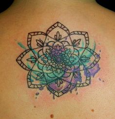 Mandala watercolor tattoo on upper back - flower, buddhist get inked тату, Neue Tattoos, Body Art Tattoos, Sleeve Tattoos, Tatoos, Tattoo Art, Mask Tattoo, Henna Tattoos, Henna Mehndi, Henna Art