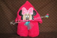 Girl mouse hooded towel for children made with glitter vinyl - pinned by pin4etsy.com