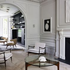 Your house or apartment is the one place in the world that is yours to call your own. If you have limited funds you can still accomplish great interior design on a. Living Room Interior, Home Interior Design, Interior And Exterior, Interior Decorating, Minimalist Architecture, Interior Architecture, London Decor, Neoclassical Interior, Home Modern