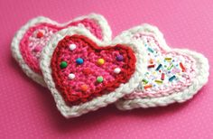 SWEETHEART SUGAR COOKIE BROOCH.  The little candies on it are miniature pom-poms!