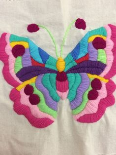 Mariposa mexicana Mexican Embroidery, Wool Embroidery, Hand Embroidery Stitches, Cross Stitch Embroidery, Embroidery Patterns, Crochet Bedspread, Paper Weaving, Letter Patterns, Arts And Crafts