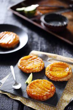 Little mango tarts Desserts With Biscuits, Köstliche Desserts, Healthy Dessert Recipes, Sweet Pie, Sweet Tarts, Food Porn, Dessert Cookbooks, No Cook Meals, Food Inspiration