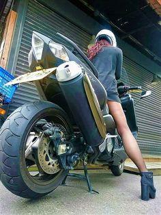 Tmax Yamaha, T Max, Scooters, Stylish, Vehicles, Women, Motorbikes, Furniture, Accessories