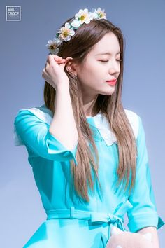 South Korean Girls, Korean Girl Groups, Korean Beauty, Pop Group, Flower Crown, Kpop Girls, My Photos, Ruffle Blouse, Singer