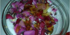 Peeling z płatkami róż
