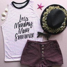 Amor de verão ✨ || Regata levinha de listras com estampa frontal • SHOP ONLINE • www.sislla.com.br