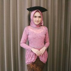 Model Kebaya Muslim, Kebaya Modern Hijab, Hijab Fashion Inspiration, Style Inspiration, Engagement Dresses, Dress Outfits, High Neck Dress, Gowns, Brokat