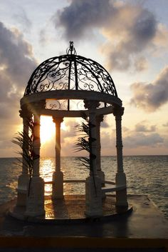 Beautiful Caribbean Sunsets | Sandals Montego Bay | Honeymoon in Jamaica | Sandals Resorts Weddings