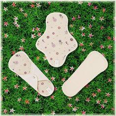 Organic Cotton Reusable Cloth menstrual pads for period / Cloth feminne pads / mama pads - 3 Regular pads (Cute flower)