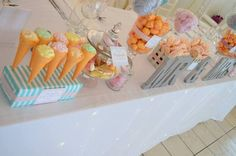 Wedding center- piece for a Ice-cream & candyfloss theme