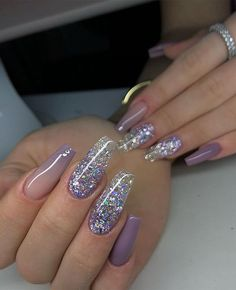 40 Fabulous Nail Designs That Are Totally in Season Right Now - pretty nail art designs,mix and match nail art design, acrylic nail art, nail designs with glitter Bling Acrylic Nails, Best Acrylic Nails, Glitter Accent Nails, 3d Nails, Coffin Nails, Cute Acrylic Nail Designs, Nail Art Designs, Pretty Nail Designs, Stylish Nails