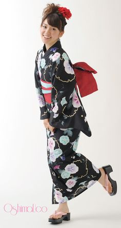 The amazing Yuko Oshima in another of her amazing kimonos! (DS 2013) | 浴衣屋さん.com | OshimaUco 浴衣 夕顔