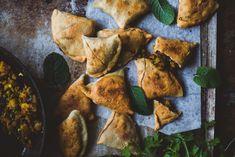 samosa-3 Samos, Palak Paneer, Carrots, Curry, Potatoes, Healthy Recipes, Vegetables, Ethnic Recipes, Food