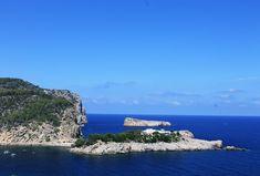 Eine Woche Urlaub im August? Wie wäre es mit einer Reise nach Ibiza - aber ohne Party im Urlaub! Besichtige die historische Hauptstadt und sonne dich auf den traumhaften Stränden dieser Mittelmeerinsel.