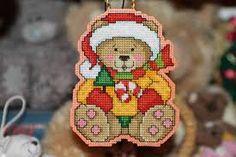 Картинки по запросу пэчворк картинки Plastic Canvas Christmas, Gingerbread Cookies, Teddy Bear, Christmas Ornaments, Toys, Holiday Decor, Animals, Gingerbread Cupcakes, Xmas Ornaments