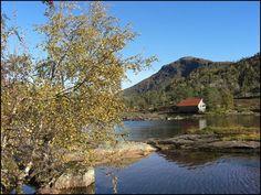 Fjordkysten Norwegen im Herbst