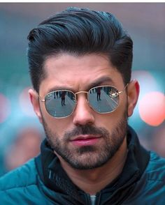 Image may contain: 1 person, beard, sunglasses and closeup Mens Hairstyles With Beard, Hair And Beard Styles, Haircuts For Men, Men Sunglasses Fashion, Men's Sunglasses, Mirrored Sunglasses Mens, Best Mens Sunglasses, Photography Poses For Men, Summer Accessories