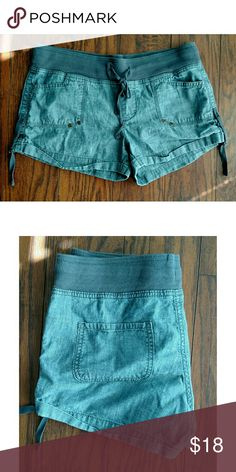 """Gap chambray shorts. Size 6 Gap chambray shorts with elastic and drawstring waist. Size 6. Waist 32"""" Rise 9"""" Inseam 3"""" GAP Shorts"""