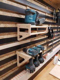 Storage Shed Organization, Garage Workshop Organization, Diy Garage Storage, Garage Shelving, Workshop Storage, Tool Storage, Garage Workbench Plans, Garage Tools, Garage Furniture