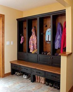 Traditional Entry Mud Room Design, Pictures, Remodel, Decor and Ideas - page 5 Coat Storage, Shoe Storage, Bench Storage, Diaper Storage, Extra Storage, Home Organization, Organizing, Minneapolis, My Dream Home