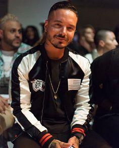 Bello  @jbalvin  @riszard J Balvin at New York Fashion Week Men's ⚡️⚡️⚡️    by Me #NYFWM #JBalvin #OvadiaAndSons