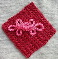 tutorial to to make crochet 'frog' button closures. the pink material in the image is the button fastened closed. crochet by faye: Do you frog? Crochet Frog, Love Crochet, Crochet Motif, Crochet Stitches, Knit Crochet, Crochet Appliques, Easy Crochet, Stitch Patterns, Knitting Patterns