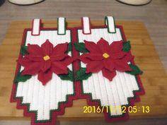 Plastic Canvas Christmas, Plastic Canvas Crafts, Plastic Canvas Patterns, Christmas Holidays, Christmas Crafts, Christmas Patterns, Music Crafts, Santa Face, Poinsettia