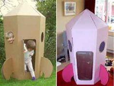 Un cohete de cartón reciclado