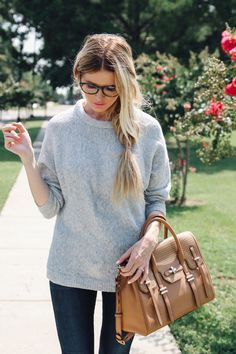 Casual + Chic // Barefoot Blonde