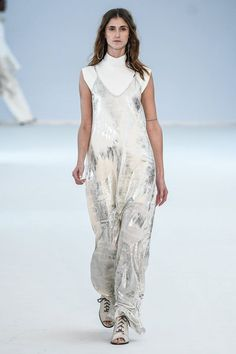 vestido prata metálico