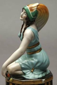 Google Image Result for http://www.antiquetrader.com/wp-content/uploads/noritake-japan-art-deco-ceramic-auction.jpg