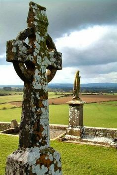 Jeff when we go to Ireland in a few years we will have to visit the cemeteries. I apologize now, I have an unnatural love of them. :)   Of coarse u already know this.  Celtic Cross..Oldest in Ireland