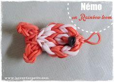 Un Némo en rainbow loom : tuto pas à pas en image ! http://www.lacourdespetits.com/nemo-en-rainbow-loom/ #rainbowloom #disney #portecles