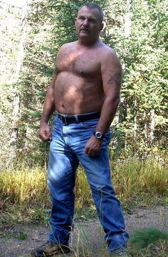 Muscle dad fucks twink