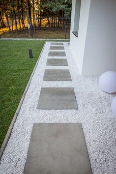 Walkway, Stepping Stones, Sidewalk, Garden, Outdoor Decor, Design, Home Decor, Stair Risers, Garten