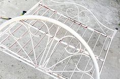 How to Paint a Metal Bed Frame: 24 steps - wikiHow