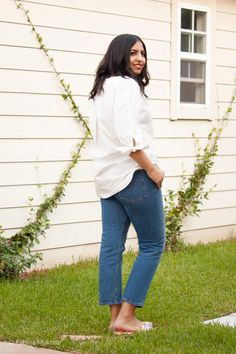 This tie sleeve top in summery cotton is the perfect blend of casual and sophisticated, elevating your basic jeans outfit. The length is perfect for those who dress modest or like more coverage. Modest Dresses, Modest Outfits, Modest Fashion, Casual Outfits, Dress Over Pants, Minimalist Dresses, Cotton Tunics, Women's Jeans, Women's Casual