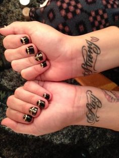 Twitter / ddlovato: Best nails ever!!! ...