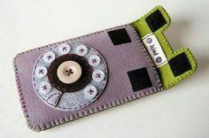Porta celular em feltro