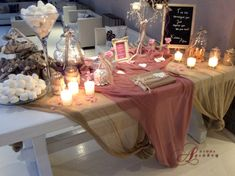 Romantic vintage chic προσέγγιση γι' αυτό το τραπέζι ευχών στην είσοδο της αίθουσας Φαιστός στο κτήμα Αριάδνη Flower Decorations, Wedding Decorations, Table Decorations, Shabby Chic Homes, Shabby Chic Decor, Wedding Entrance Table, Diy Wedding, Wedding Day, Baby Girl Baptism