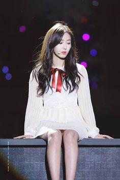 G Friend Ko follow  đừng lấy ảnh  (tôn trọng nhau đi) Kpop Girl Groups, Kpop Girls, Sinb Gfriend, Cloud Dancer, Summer Rain, G Friend, Girl Bands, Korean Model, Celebs