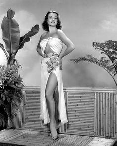 actress Jean Peters 1940s