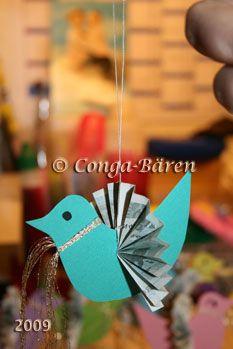 Wie man einen Geldvogel macht, den man z. B. an Äste oder als Mobile verschenken kann. Klickt aufs Bild.
