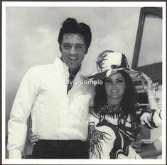 Elvis Presley Priscilla, Elvis Presley Family, Elvis Presley Photos, Lisa Marie Presley, Uss Arizona Memorial, Family Photo Album, Vintage Hairstyles, Candid, Rock And Roll