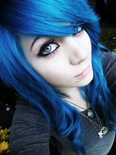 Blue emo hairstyle I really like it.