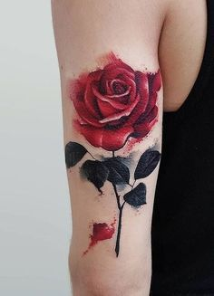 Feed Your Ink Addiction With 50 Of The Most Beautiful Rose Tattoo Designs For Men And Women beautiful watercolor rose tattoo © tattoo studio Roza Sake Tattoo Crew 💕🌹💕🌹💕🌹💕🌹💕 Aquarell Tattoo Rose, Watercolor Rose Tattoos, Tattoo Designs For Women, Tattoos For Women Small, Small Tattoos, Foot Tattoos, Finger Tattoos, Body Art Tattoos, Trendy Tattoos
