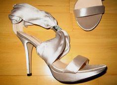 * * * PITTARELLO Satin-Sandaletten mit Straß, Gr.37 * * *