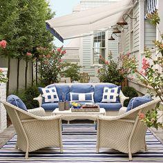 2011 Ultimate Beach House Side Yard Living Area