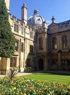 Brasenose College - Oxford - England (my photo - nathaliekdy) Cornwall England, Yorkshire England, England Uk, London England, Yorkshire Dales, Boarding School Aesthetic, College Aesthetic, Oxford England, Oxford College